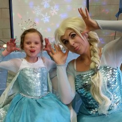 Singing Queen Elsa Parties